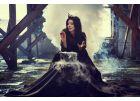 Ведьмины атрибуты на фотосессии с дымом