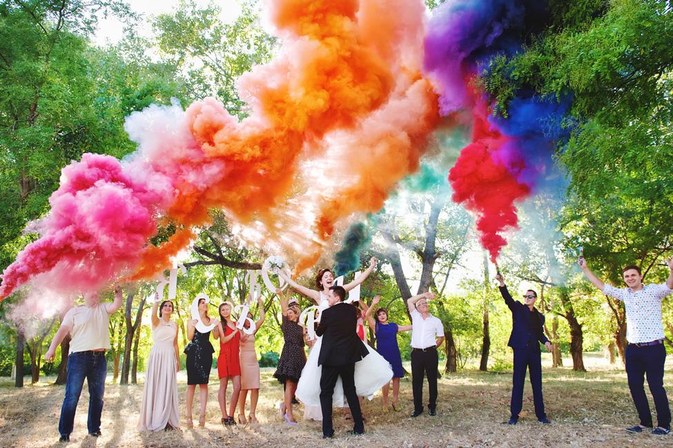 Свадьба с цветными дымовыми шашками