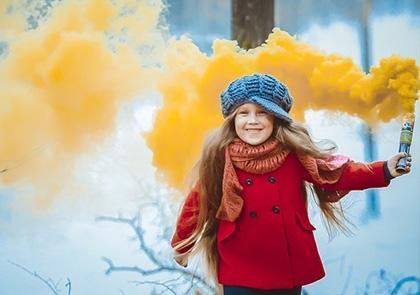 Фотосессия с цветным дымом для детей