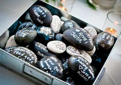 Гостевая книга на свадьбу из камушек