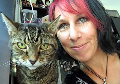 вышла замуж за кота - самые странные пары мира