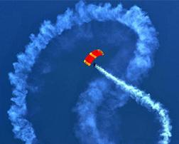 применение цветного дыма в парашютном спорте