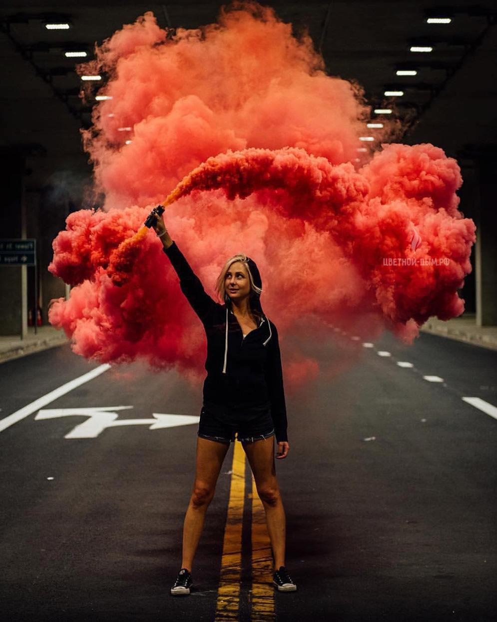 Двухсторонняя дымовая шашка цветного дыма