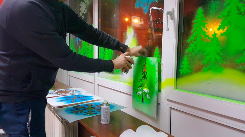 как украсить витрины магазинов на новый год
