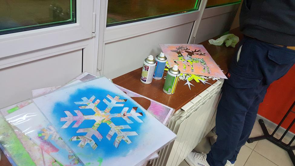 Украшение витрин с помощью меловых аэрозольных красок