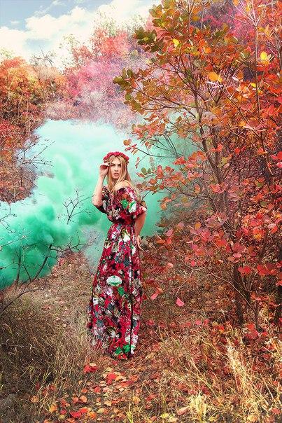 Фотосессия осенью с зеленым дымом (бирюзовый дым)