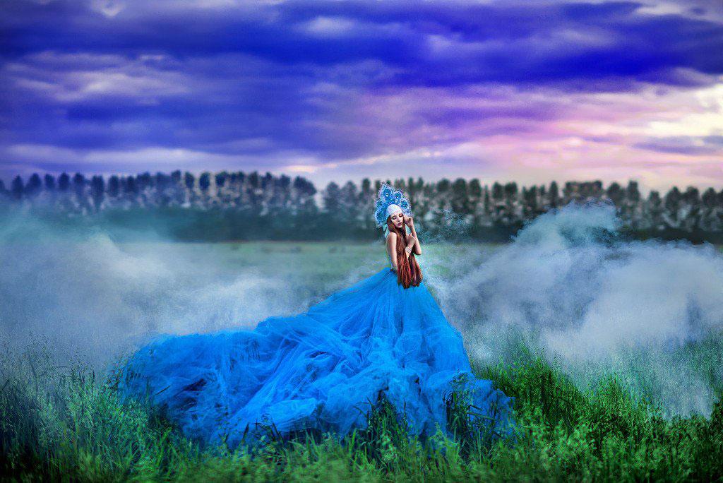 Фотосессия в славянском стиле в легком тумане