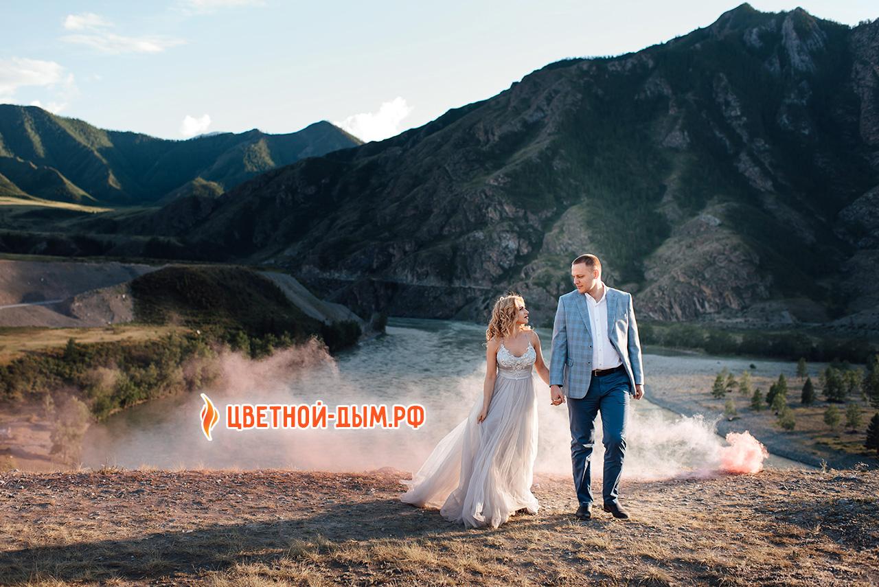 Свадебная фотосессия на фоне гор алтая. Фотограф Анастасия Токмакова (г. Томск)